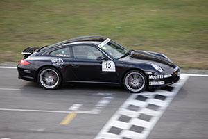 Bild von einem schwarzen Porsche